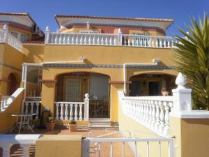 Alquiler Vivienda Casa adosada turquesa
