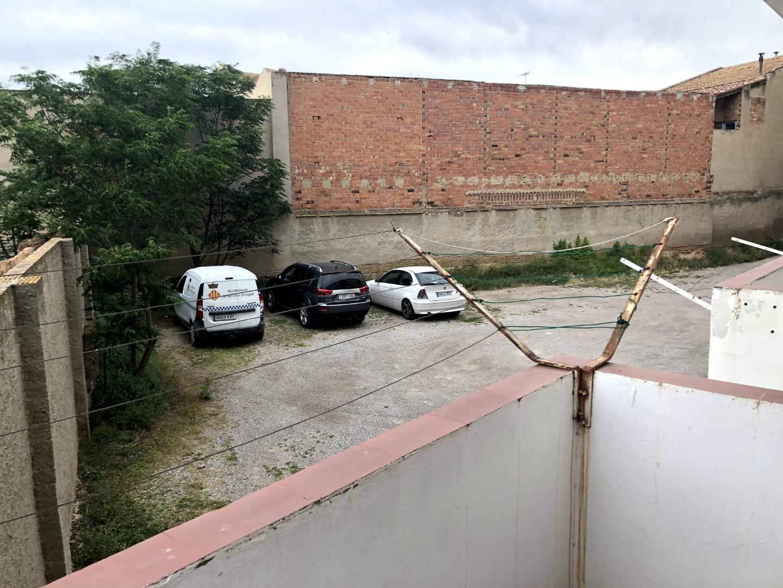 Piso  Plaza del terme. Se vende piso en bell-lloc d'urgell.