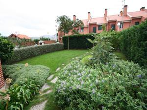 Casa adosada en Venta en Chalet Adosado en San Fuentes / Abanto y Ciérvana-Abanto Zierbena