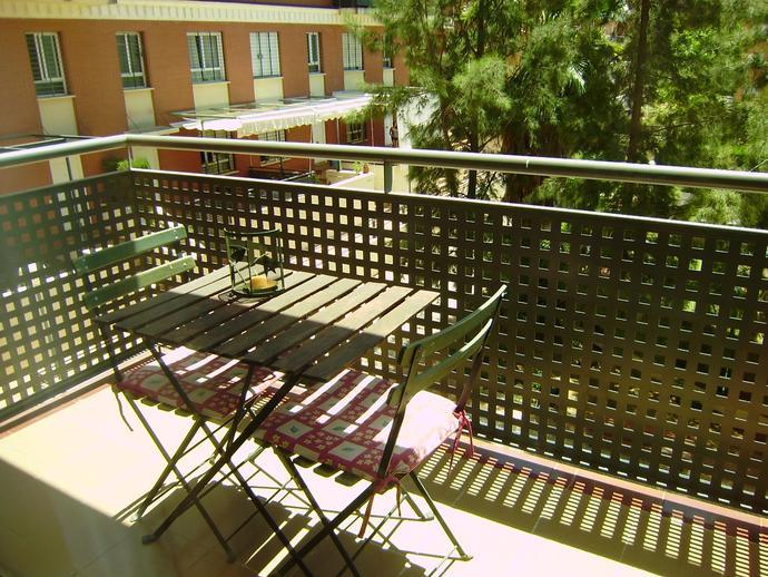 Foto 2 de Piso de alquiler en Zona Universitaria, Sevilla