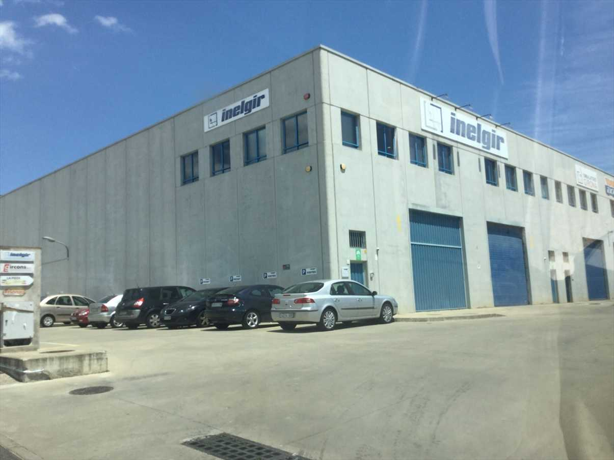 Fabrikhalle  Carrer del mas vila