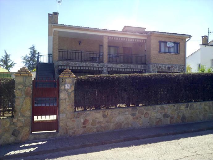 Chalet en aldea del fresno en resto a5 aldea del fresno for Jardin oriental aldea del fresno