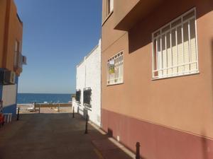 Apartamento en Venta en Escuela, 3 /  Almería Capital