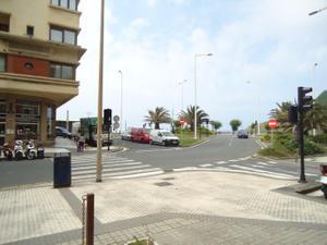 Alquiler Local comercial  gros, local en primera linea de playa