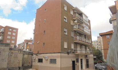 Pisos en venta con terraza en Metro Colonia Jardín, Madrid