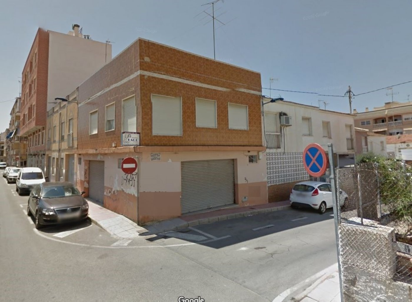 Edifici  Santa pola ,norte. Edificio en esquina en santa pola
