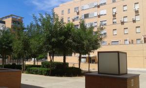 Piso en Venta en Carmen Conde / Este - Alcosa- Torreblanca