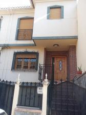 Casa adosada en Venta en Los Huertos / Cájar