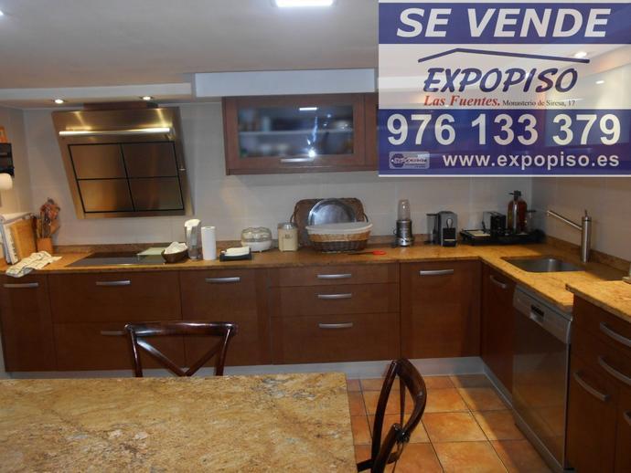 Foto 1 de Casa adosada en Chalet  Avda Salvador Allende / Salvador Allende,  Zaragoza Capital