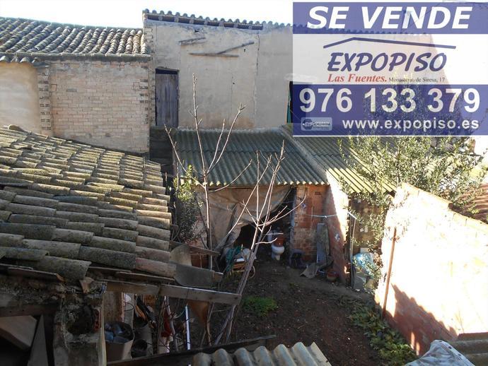 Foto 1 de Chalet en Casa En Pastriz Con Terreno Y Garaje / Santa Isabel - Movera,  Zaragoza Capital