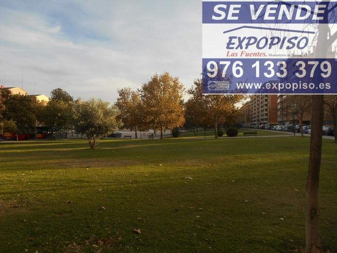 Foto 3 de Chalet en Chalet En  Salvador Allende, Gran Bodega,Jardin / Salvador Allende,  Zaragoza Capital