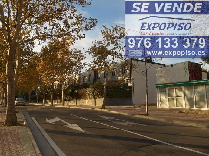 Foto 29 de Chalet en Chalet En  Salvador Allende, Gran Bodega,Jardin / Salvador Allende,  Zaragoza Capital