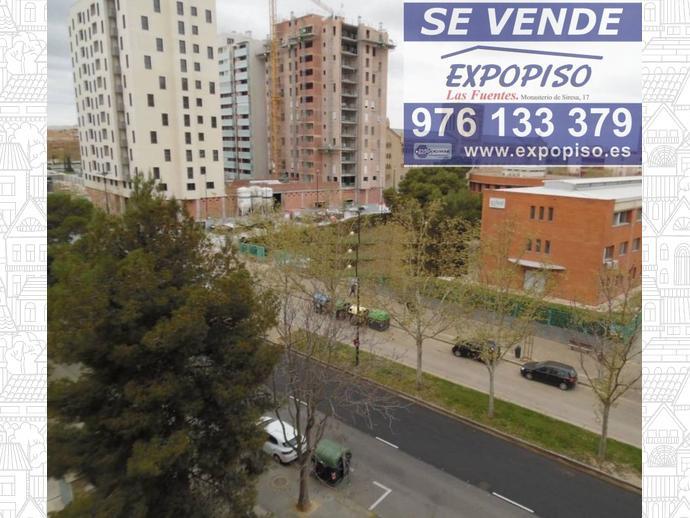 Foto 5 de Piso en Romareda 4Hab,2Baños,Garaje,Terraza / Romareda,  Zaragoza Capital