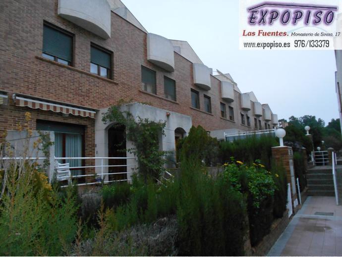Foto 5 de Casa adosada en Miralbueno Piscina,Bodega,Terrazas,Garaje / Miralbueno,  Zaragoza Capital