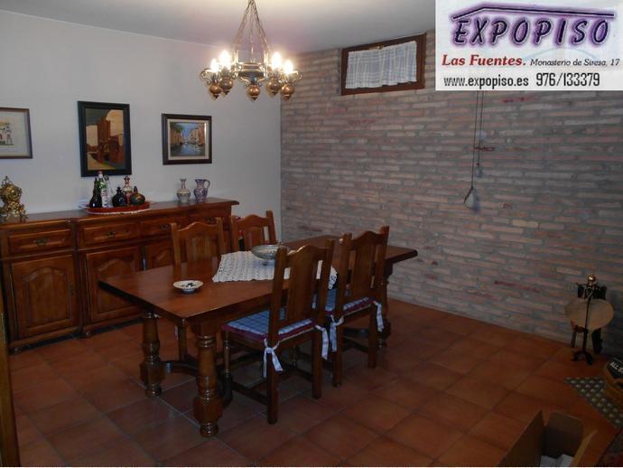 Foto 7 de Casa adosada en Miralbueno Piscina,Bodega,Terrazas,Garaje / Miralbueno,  Zaragoza Capital