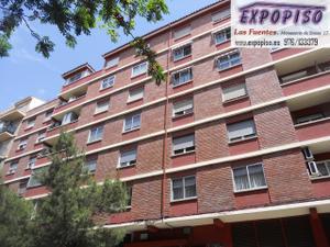 Piso en Venta en Rodrigo Rebolledo 4 Hab+salon, Garaje / Las Fuentes