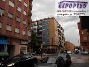 Piso en Venta en Junto Avda Compromiso  de Caspe / Las Fuentes
