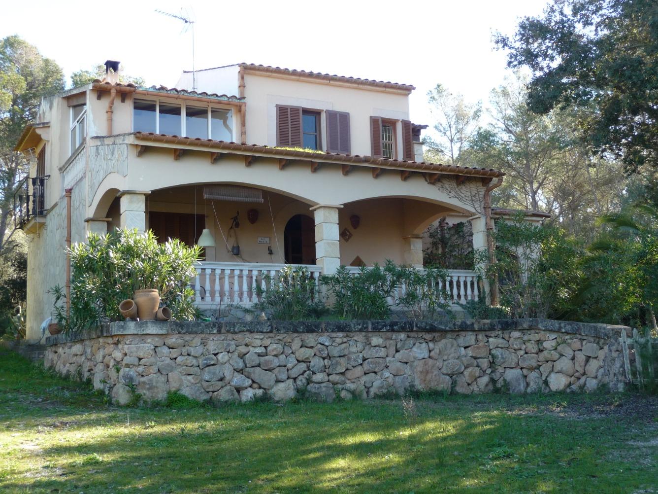 Alquiler Casa  Camino des cavallers. Chalet independiente en algaida, con piscina y garaje, recibidor