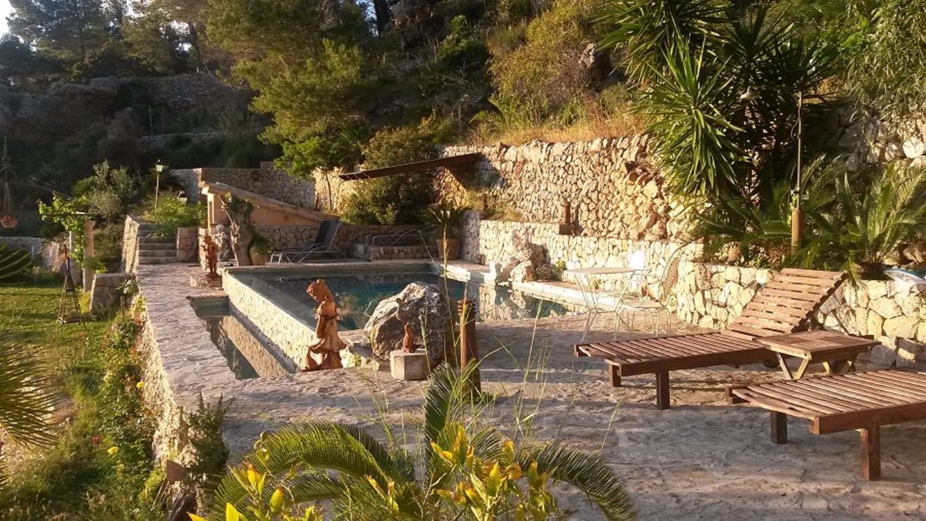 Location saisonnière Maison  Tramuntana, zona de - estellencs. Magnifica y privilegiada finca rústica situada en montaña con vi