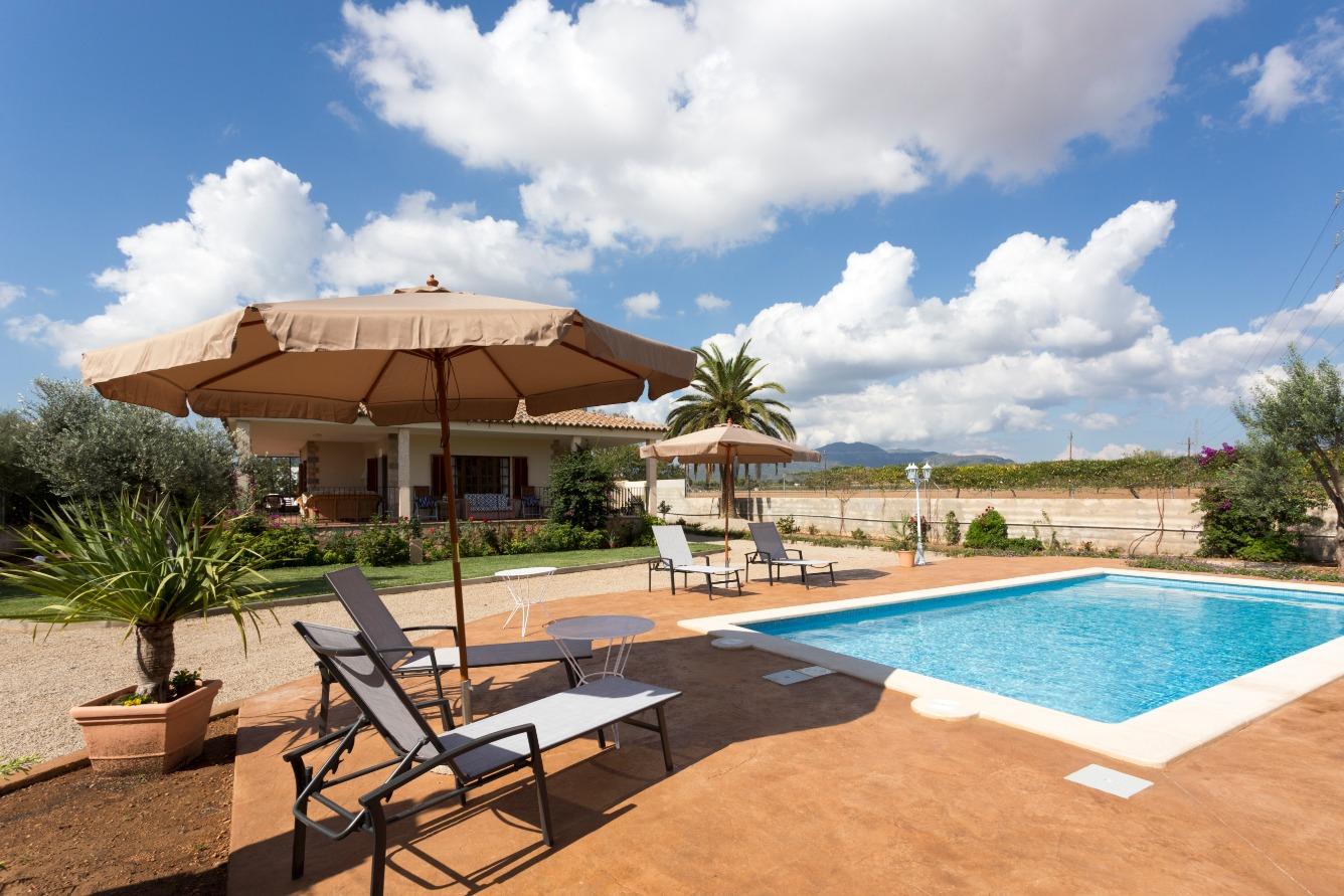 Alquiler de Temporada Casa  Nord - establiments - son espanyol - son sardina. Preciosa casa independiente con jardin y picina privada cerca de