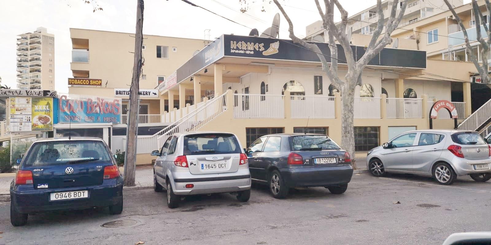 Lloguer Local Comercial  Avinguda s'olivera, 11. Super oferta - traspaso disponible para bar en magaluf cerca de