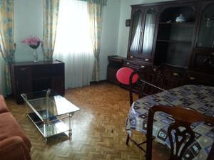 Piso en Alquiler en Casas del Hogar / Centro