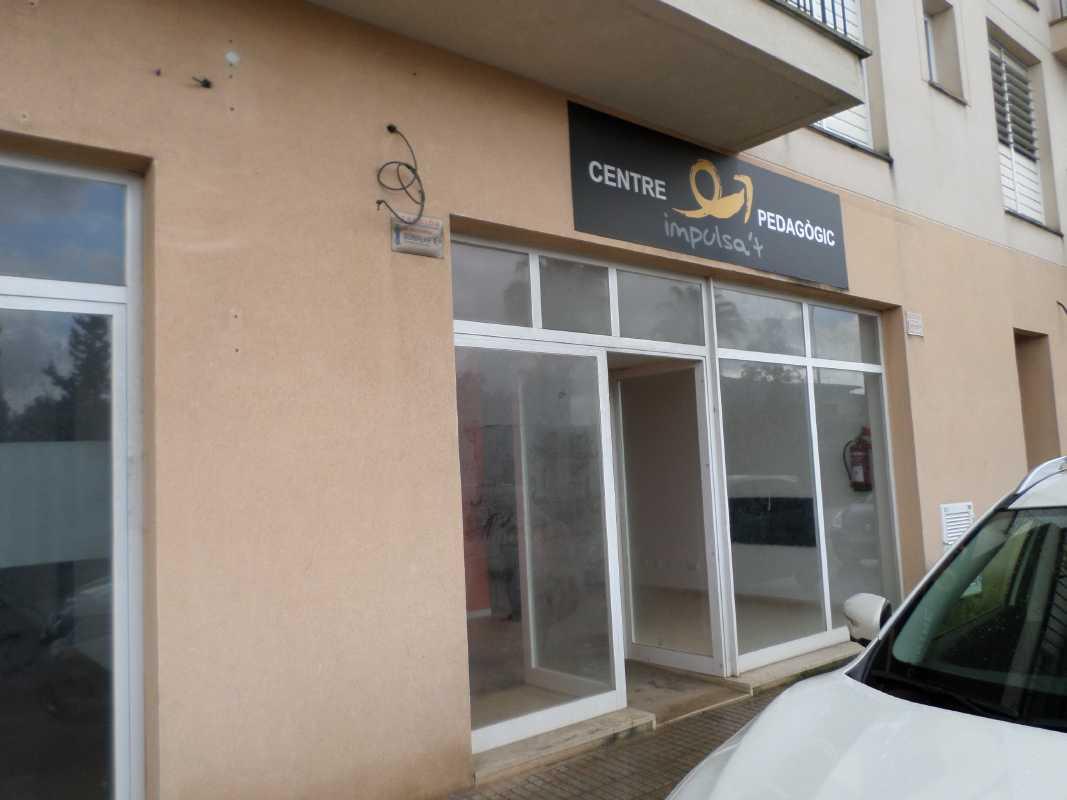 Business premise  De la rambla, 52. Local ideal para oficinas, academia, comercio etc... en perfect