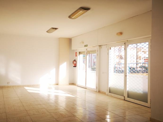 Foto 1 de Local de alquiler en Avenida Maritima, 13 Candelaria - Playa La Viuda, Santa Cruz de Tenerife