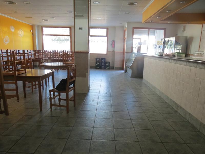 Lloguer Local Comercial  Zona juzgados. Se alquila local comercial con restaurante montado listo para em