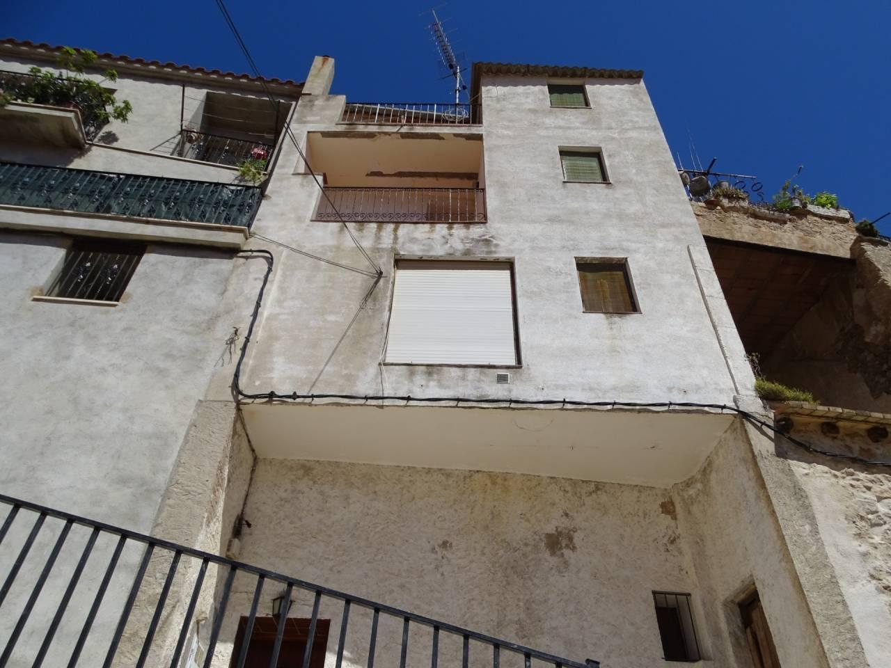 Casa  Calle capdevila. Casa en venta en la parte mas alta de la población de paüls de s