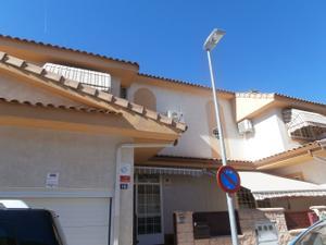 Casa adosada en Alquiler en Alameda / Villalbilla