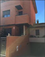 Casa adosada en Alquiler en Zona  Benavent de Segrià Adosada Seminueva / Benavent de Segrià