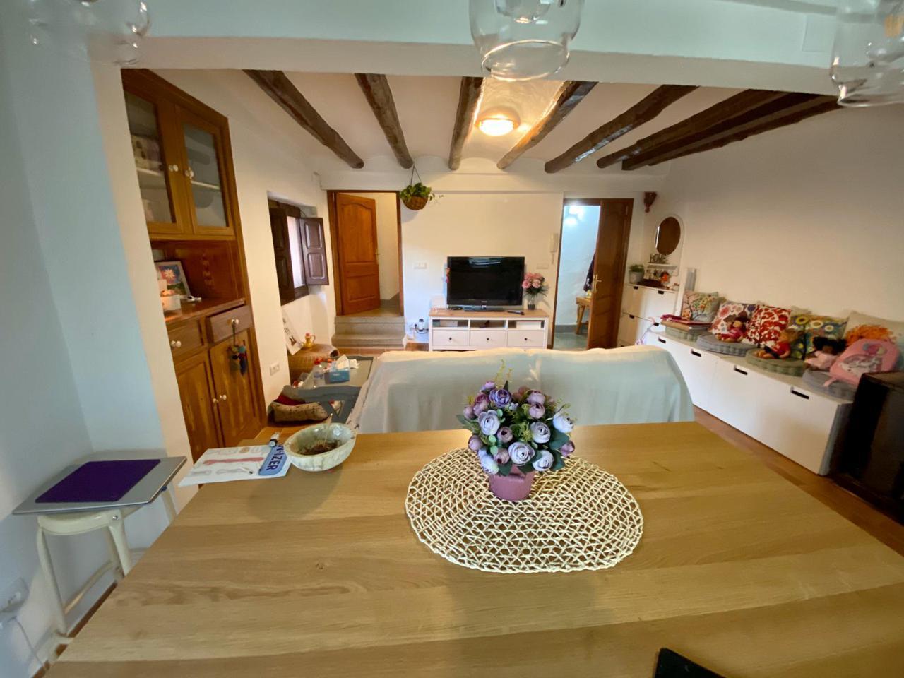 Casa en Montblanc. Bonica casa de poble totalment reformada i situada en plena mura