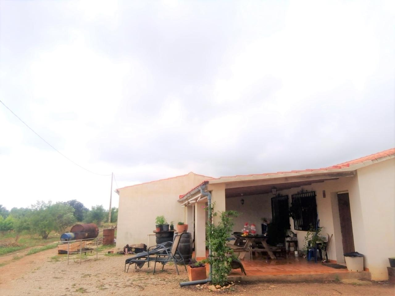 Casa  Calle baiona. Masia de una planta situada en partida baiona en alió, terreno d
