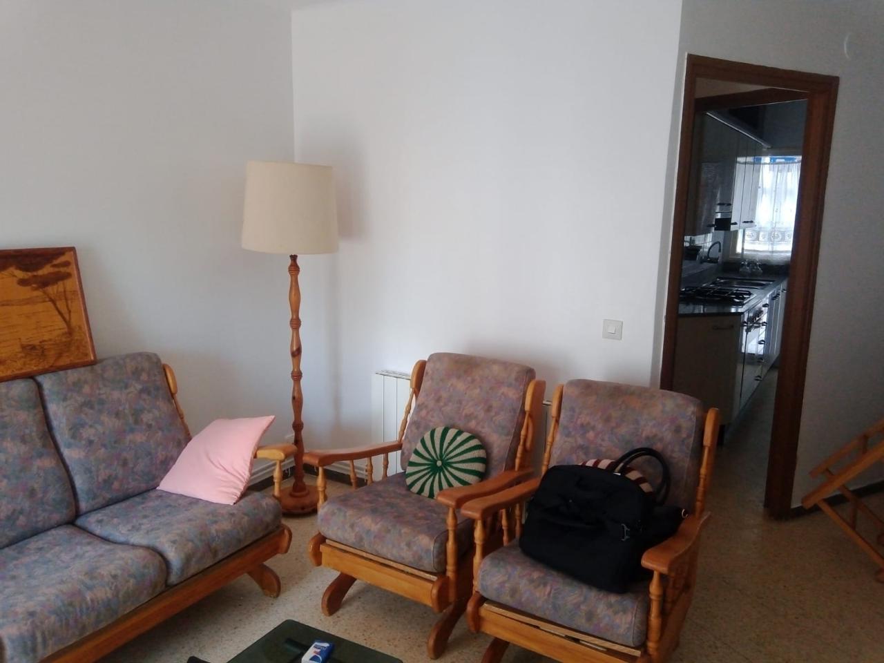 Alquiler Piso  Carretera del pla. Este piso se encuentra en carretera del pla, 43800, valls, tarra