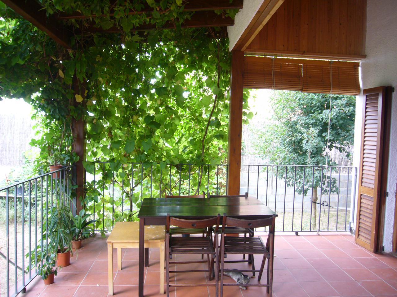 Casa  Calle carrer de vilabella. Casa / chalet  de planta baja de 187 m2 de los cuales 180 m2 son