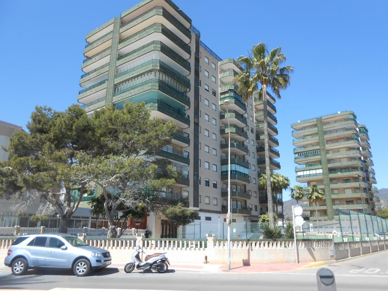 Lloguer de temporada Pis  Avenida ferrandis salvador, 162. Apartamento bueno para verano  primera linea