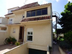Casa adosada en Venta en Paiporta - Zona Pitufos - Parcela 450 Mtrs / Zona Centro - Ambulatorio