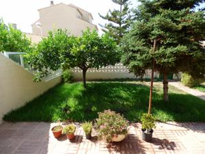 Casa adosada en Venta en Paiporta - Zona Pitufos-parcela 450mtrs / Zona Centro - Ambulatorio