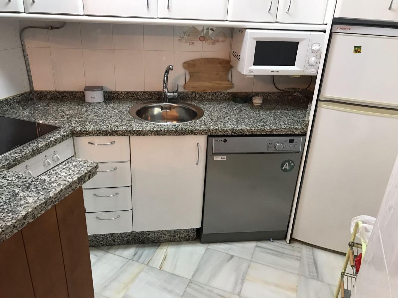 Piso en alquiler con 65 m2, 2 dormitorios  en La Antilla  (Lepe)