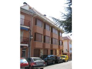 Apartamento en Alquiler en Tahona, 24 / Miraflores de la Sierra