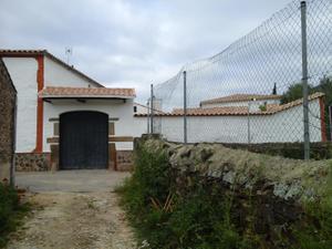 Chalet en Venta en Resto Provincia de Cáceres - Herguijuela / Herguijuela