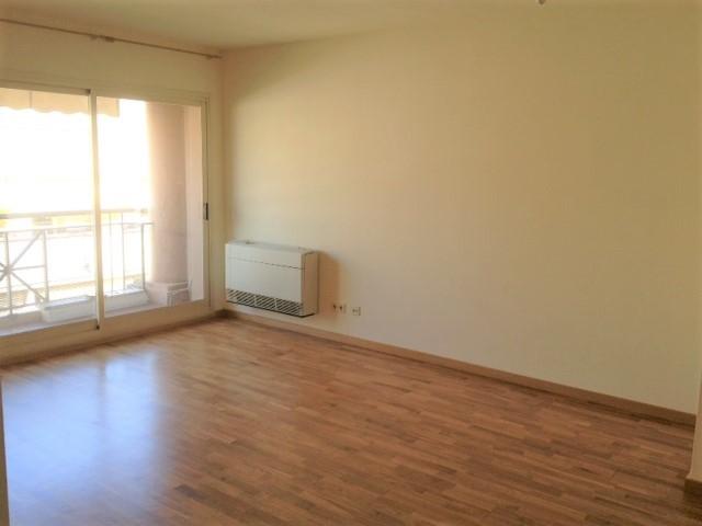 Miete Etagenwohnung  Carrer borrell. Atico 70 m2, soleado, 2 hab.,pk.