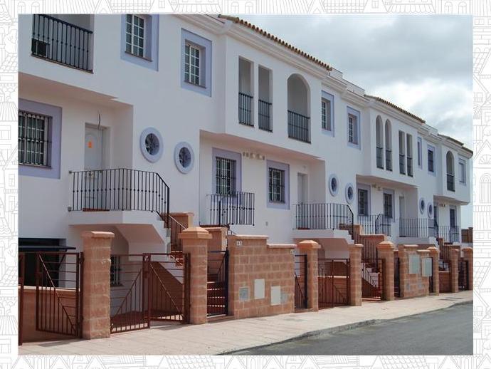 Casa adosada en la l nea de la concepci n en calle palermo 129514032 fotocasa - Casas embargadas en la linea dela concepcion ...