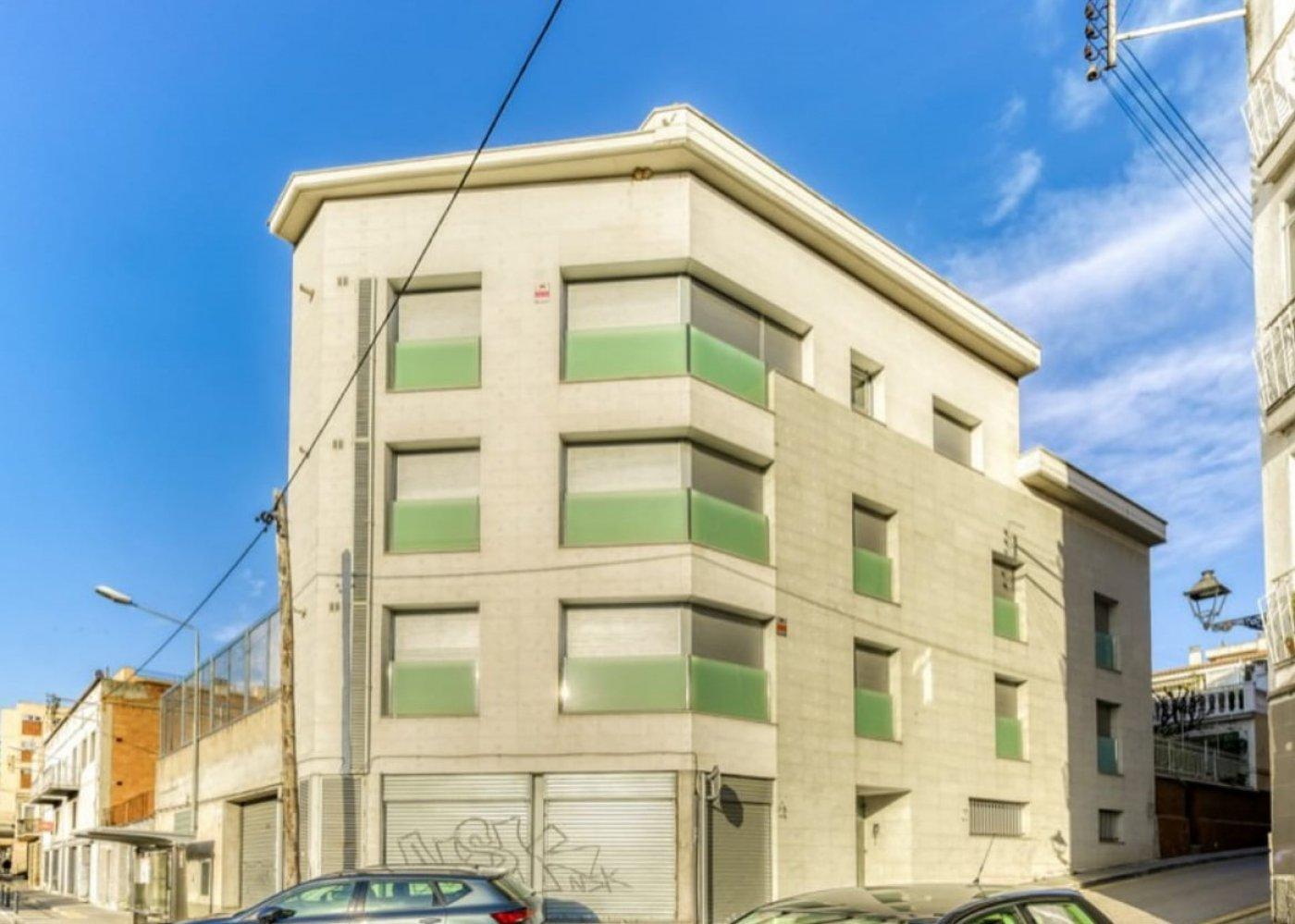 Building  Rubi ,centre. Edificio en rubí centro