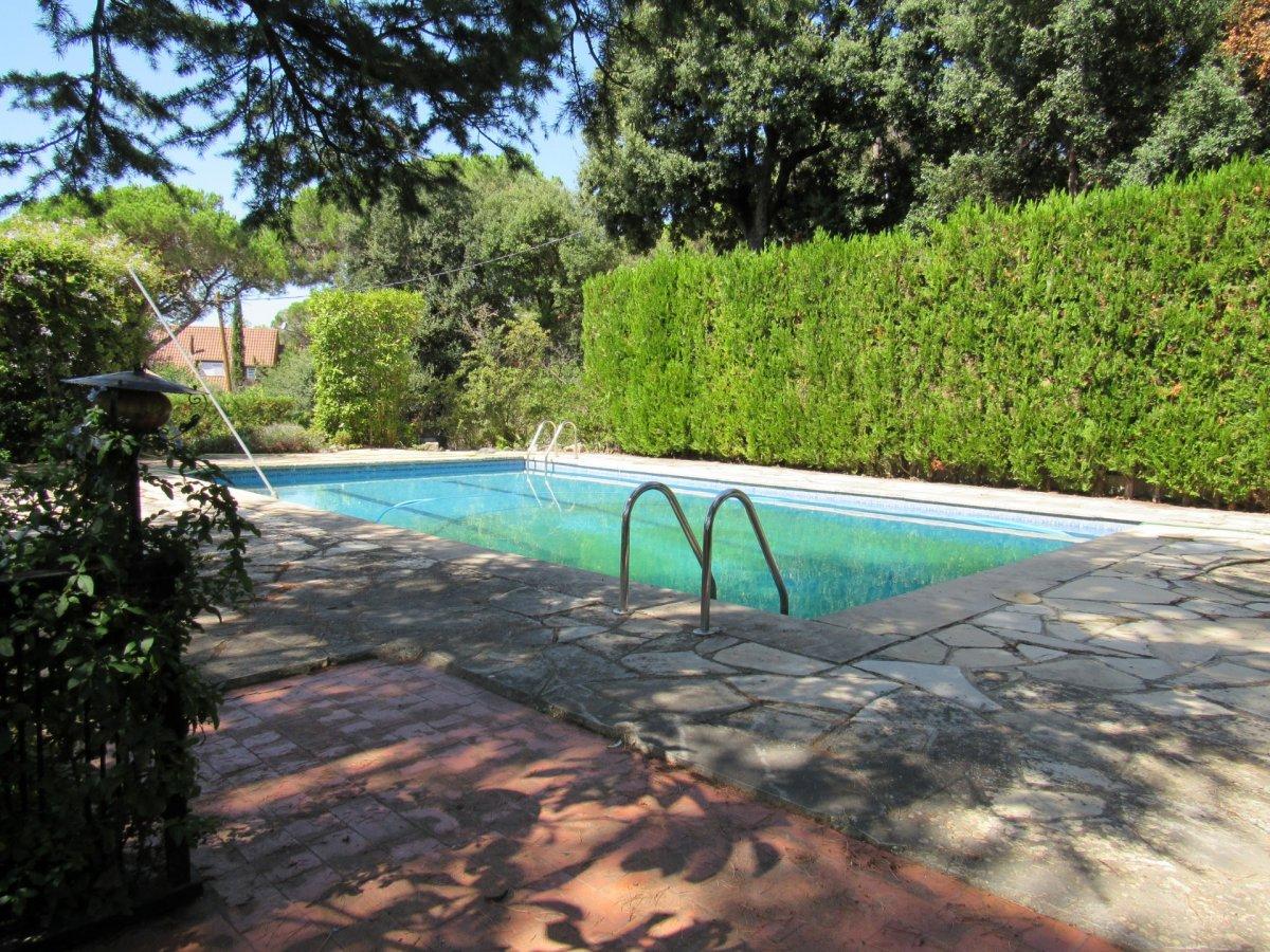 House  L' ametlla del valles ,el serrat de l`ametlla. Chalet con piscina privada, jardín y 484m2 útiles de vivienda
