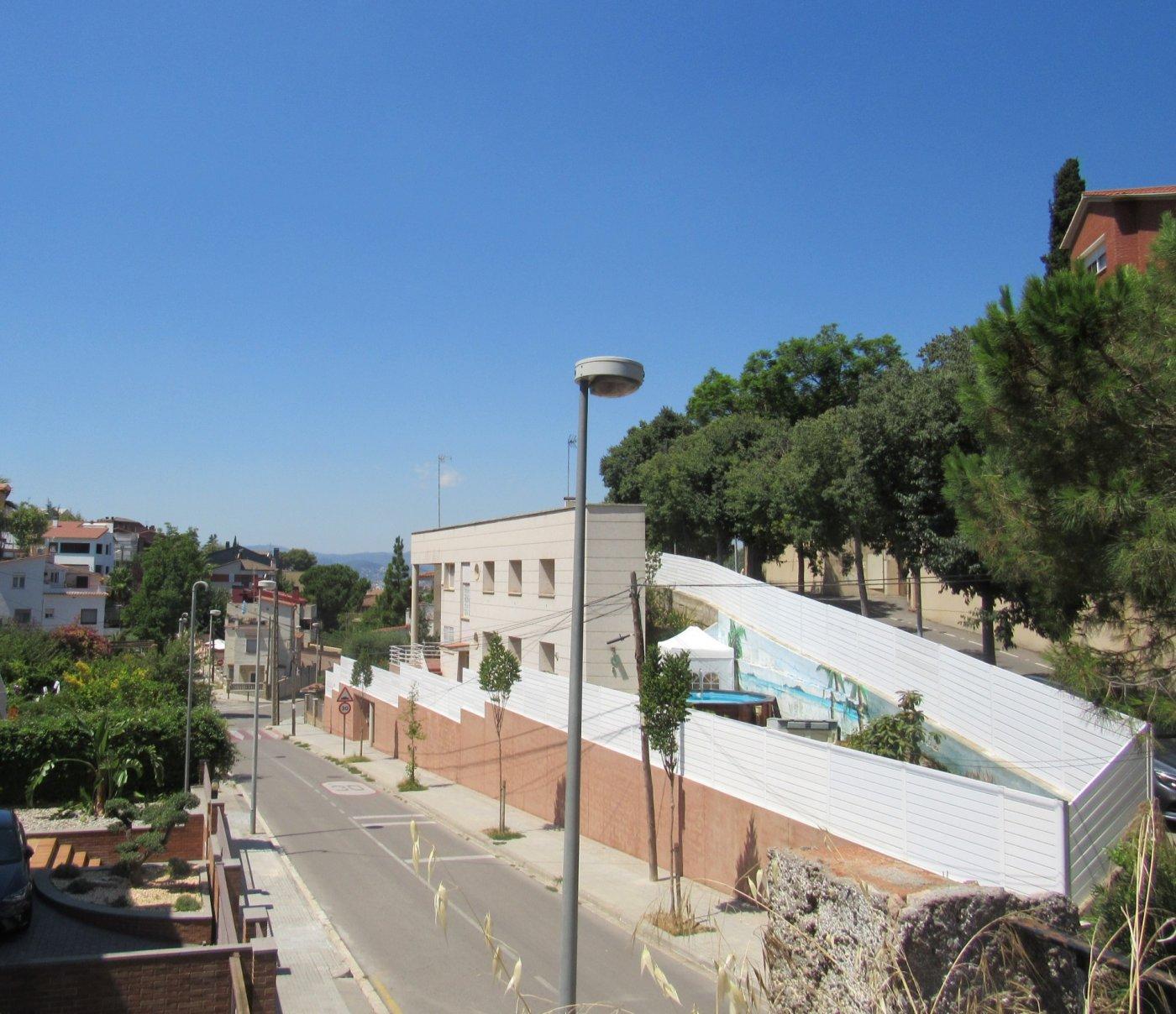 Solar urbà  Calle batista i roca. Terreno urbanizable en la miranda, al lado de barcelona