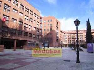 Piso en Venta en Del Tejar, . / Centro