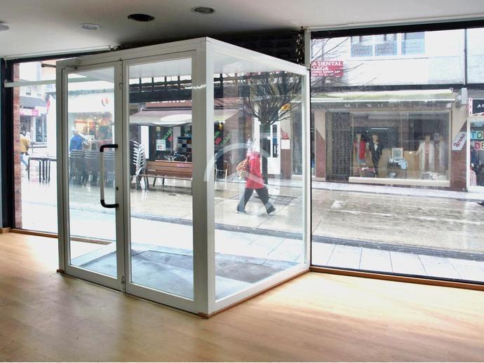 Foto 2 de Local comercial en A Coruña Capital - Ciudad Vieja / Agra del Orzán - Ventorrillo - Vioño, A Coruña Capital