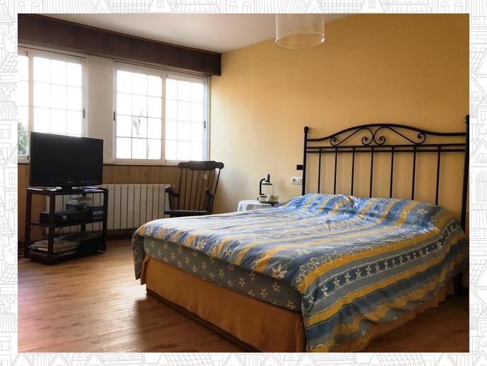 Foto 1 de Casa adosada en A Coruña Capital - Av. Arteixo / Los Mallos - San Cristóbal, A Coruña Capital